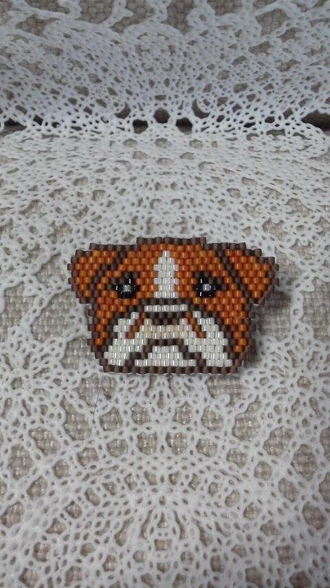 犬ブローチ小?