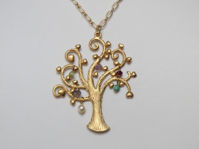 宝玉の木のネックレス