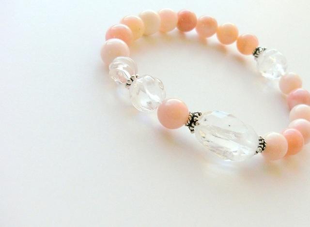 *虹&星入り水晶とピンクオパールのブレスレット