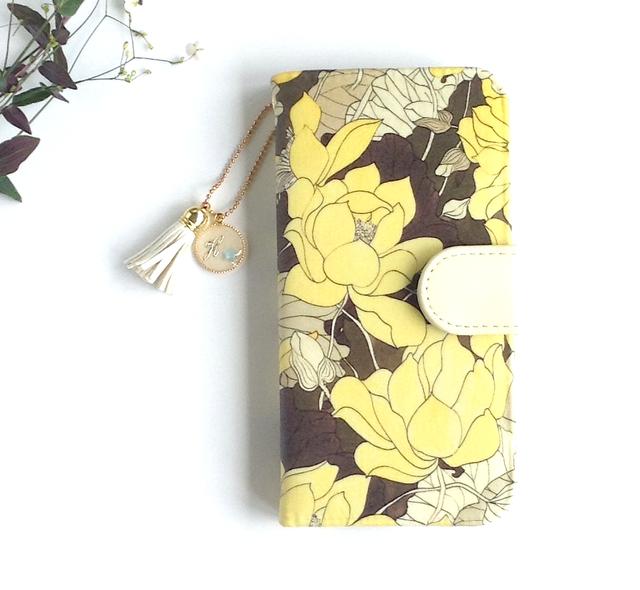 リバティiphone6 6S手帳型ケース リリーイエロー(イニシャル&誕生石 タッセルストラップ付き)
