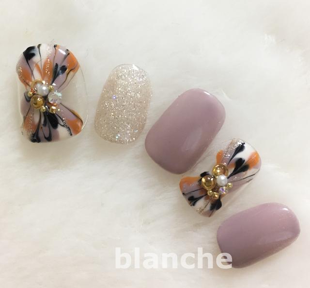 blanche★大人なピーコックネイル