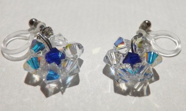 藍色の花の樹脂ノンホールピアス