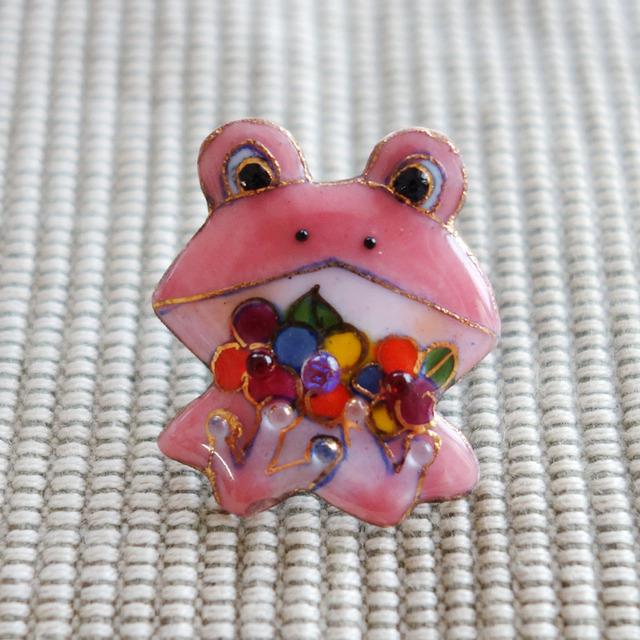 七宝焼ピンブローチ(ピンバッジ,ピンズ) カエル(花)