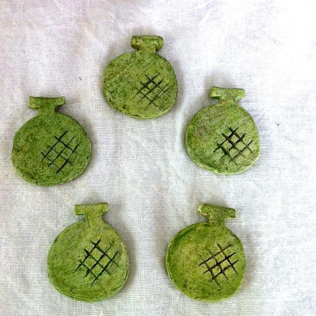【陶土】まるごとメロンブローチ
