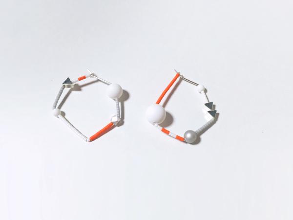 【Hさま専用】フルオーダー ネオンオレンジとマット白のピアス