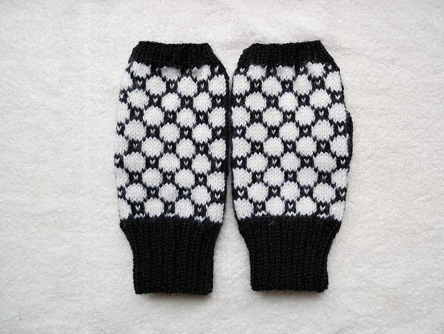 手編みの指なしミトン  【nero×bianco】