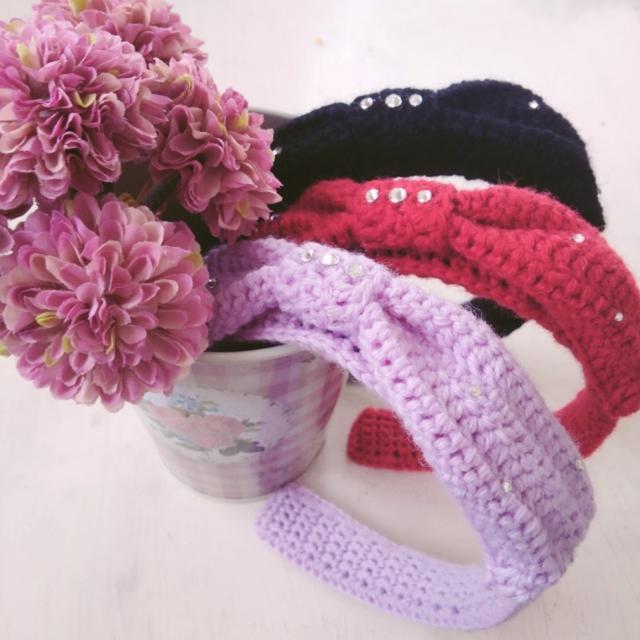手編みのリボンカチューシャ ストーン付き