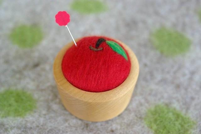 『再販』羊毛ピンクッション 【針山】 りんご