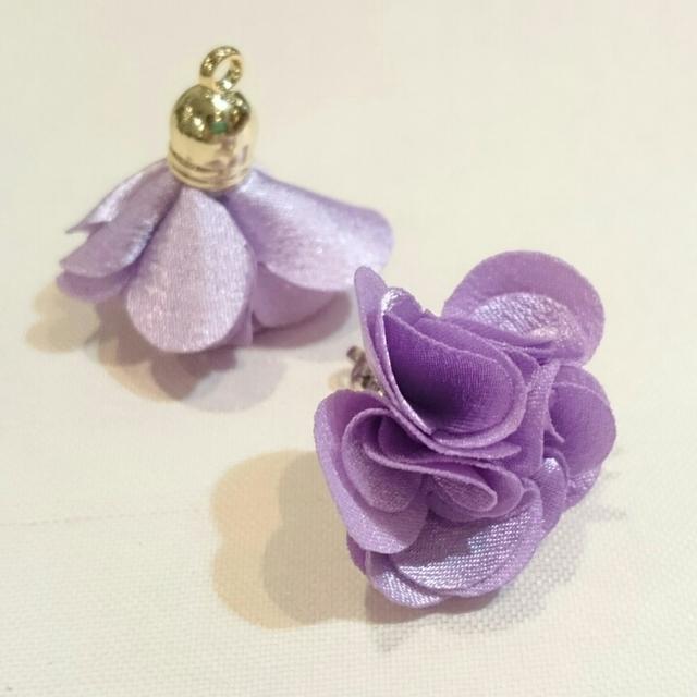 上品な花タッセル(ライトパープル)