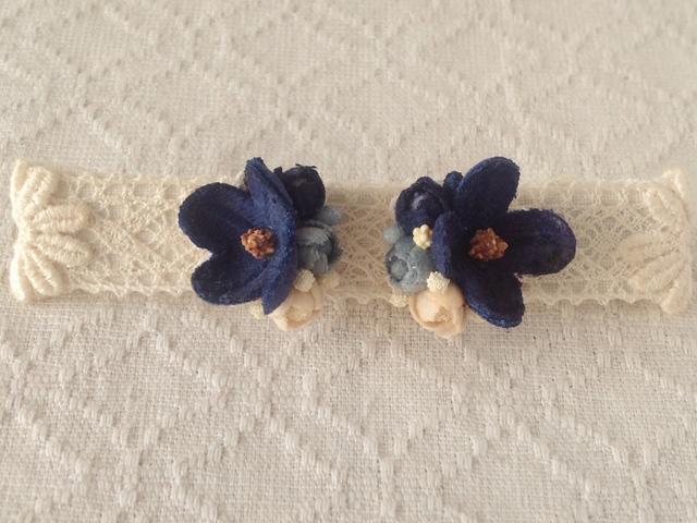 染め花の小花と蕾のピアスA(ネイビー)
