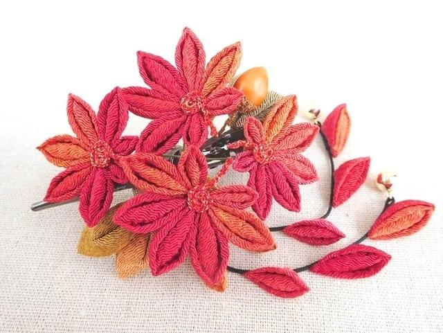 秋色☆紅葉とドングリのくちばしクリップ*2本下がり付 #つまみ細工