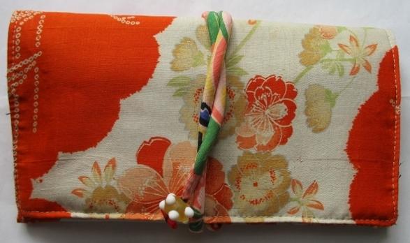 着物リメイク 花柄の着物で作った和風財布 1794