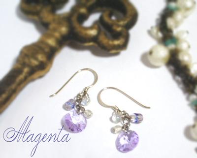 小さな輝き☆薄紫のキラキラピアス♪