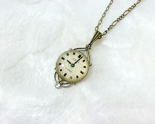 時計石の首飾り・参