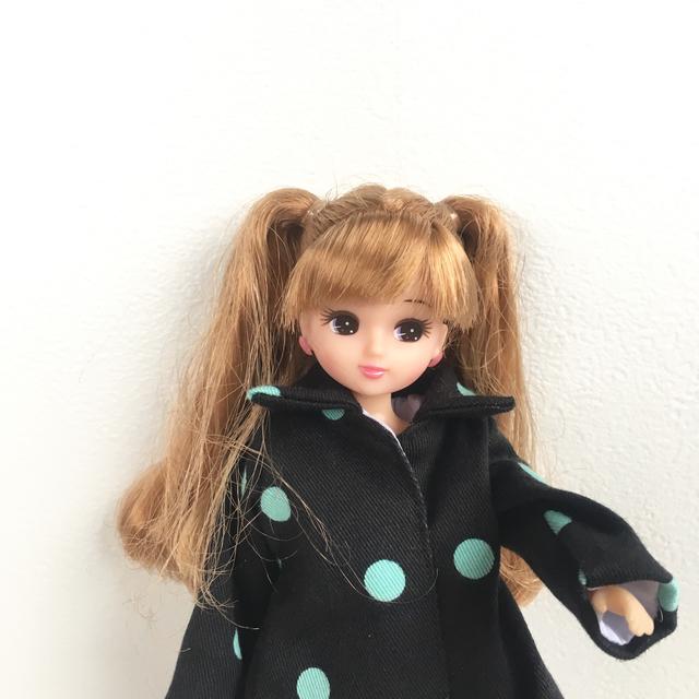 黒のタックコート(リカちゃん、ブライスサイズ)