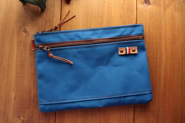 H1021 帆布の中ポケット+前ファスナーポケット付きポーチ Mサイズ -ブルー-