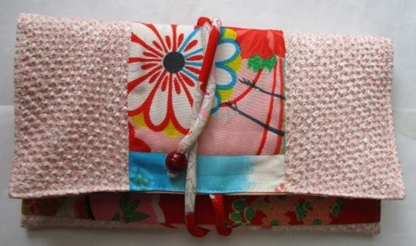 着物リメイク 花柄と絞りの着物で作った和風財布 1802
