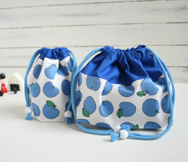 入園入学準備 レトロな青りんごのお弁当袋とコップ袋
