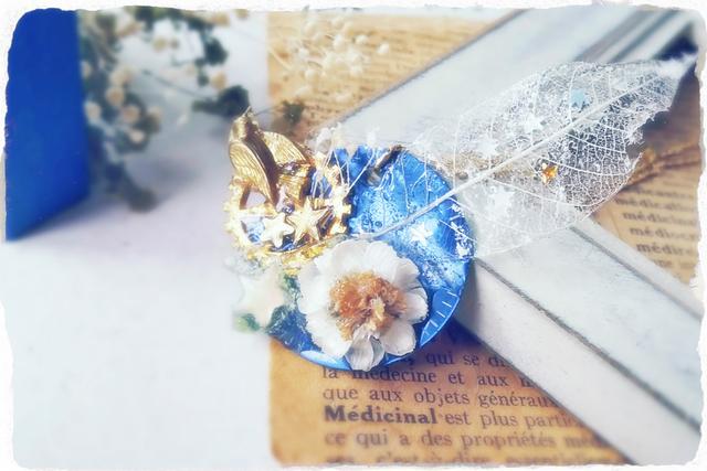 【30%off】崩れかけた花と星々の時計盤ネックレス