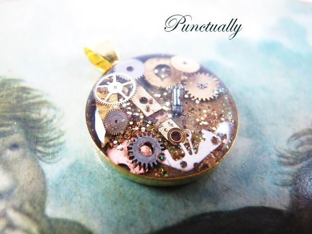 古い小さな丸時計ゴールド3 ペンダントヘッド(pt-026)