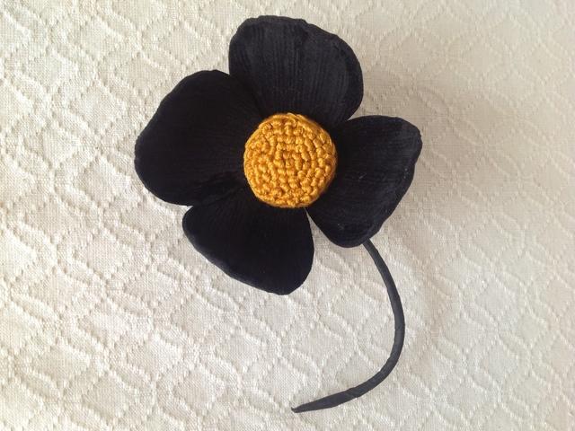 〈染め花〉4petalsコサージュ(L・ブラック)