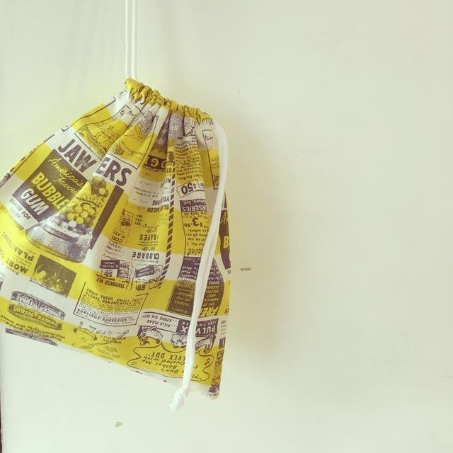 北欧柄の巾着袋(BA-026)シロイロヒモ