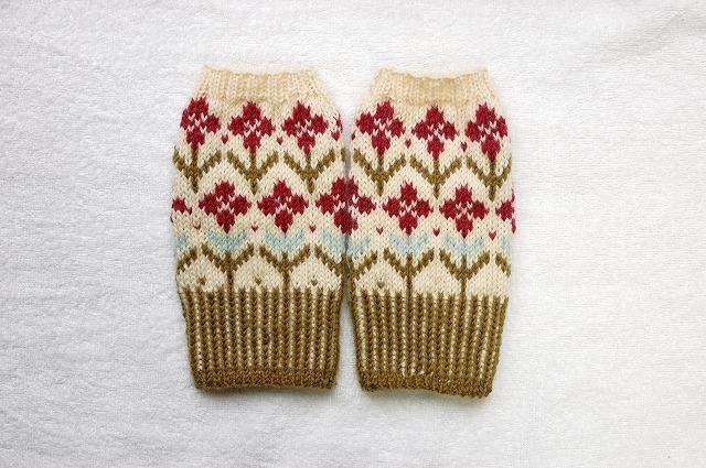 手編みの指なしミトン 【草原の花】