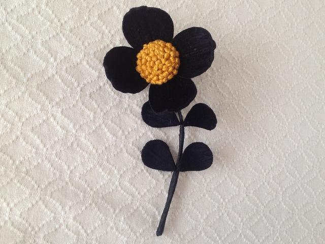 〈染め花〉4petalsコサージュ(M・ブラック)