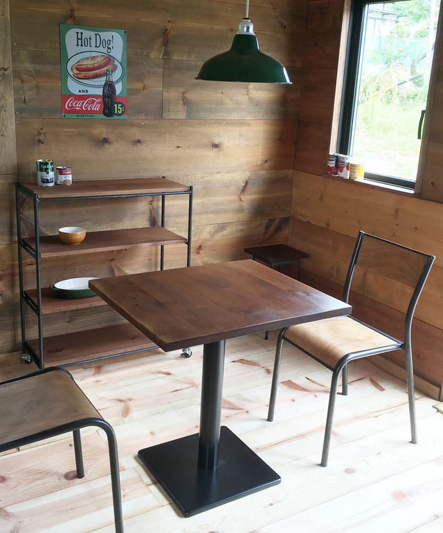 Rustic cafe table 07*06������