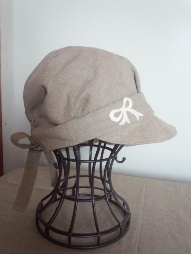 リボンモチーフのリネンキャスケット帽