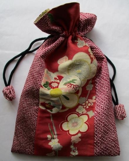 着物リメイク 花柄と絞りの着物で作った巾着袋 1818