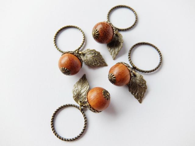 木製どんぐりのころころリング(指輪)