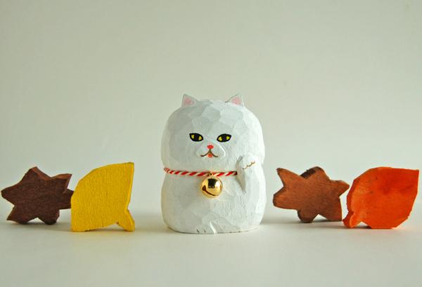 木彫り人形  まねきねこ(5センチ幅)[MWF-206]