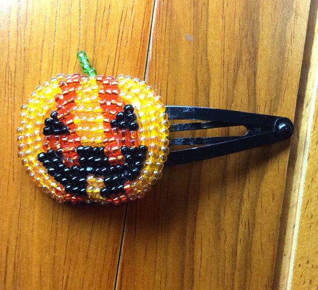 ビーズ刺繍のハロウィンヘアピン(かぼちゃ)
