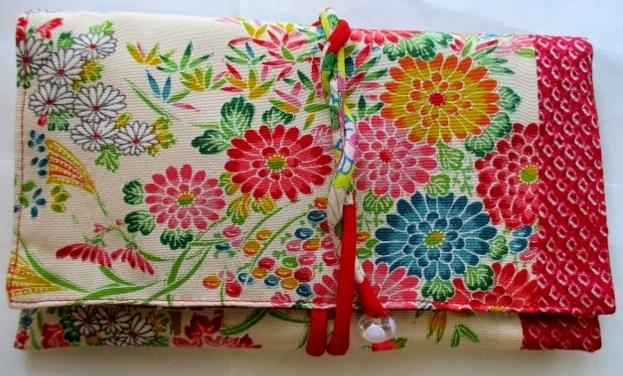 着物リメイク 絞りと花柄で作った和風財布 1822
