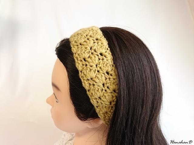 ふんわりヘアバンド 手編みからし色