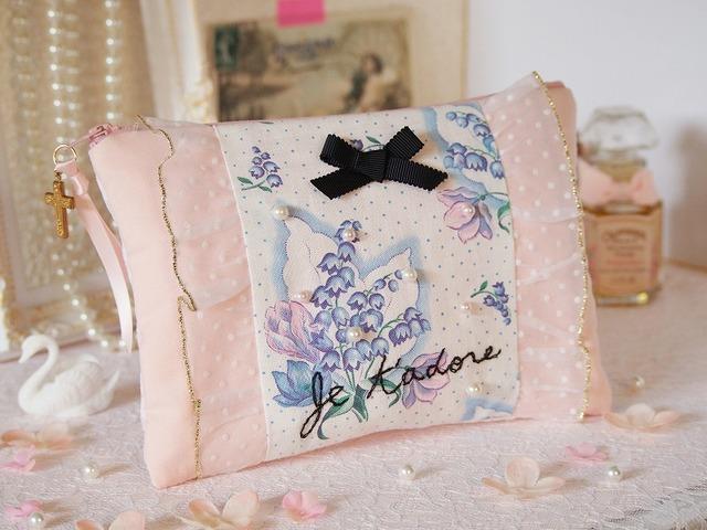 ヴィンテージ花柄×パールと刺繍のポーチA