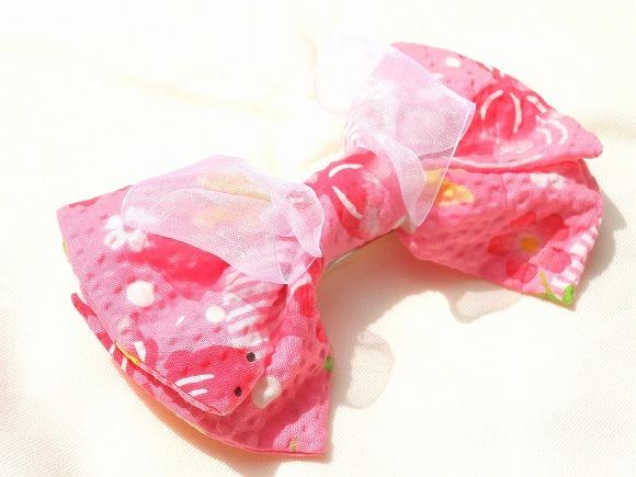 金魚 ピンクの和柄バレッタ
