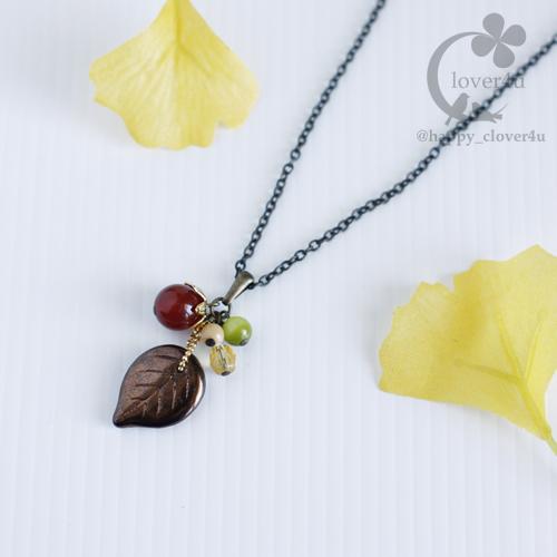 木の実とリーフのネックレス(レッドアゲート)/n286