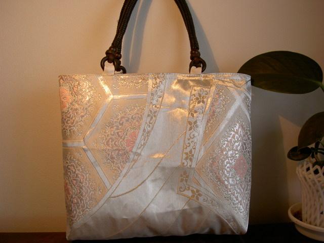 銀の寿帯バッグ
