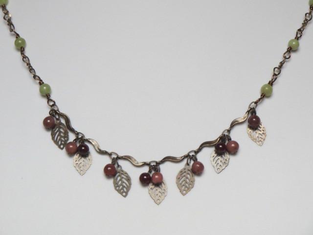 ロードナイト木の実のネックレス