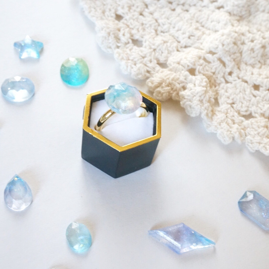 小さな宝石リング*淡いブルー
