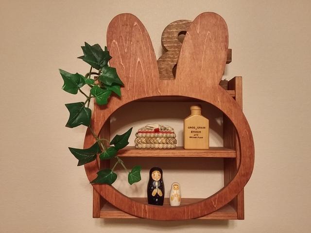 受注製作☆木製☆ウサギ顔飾り棚☆チェリー