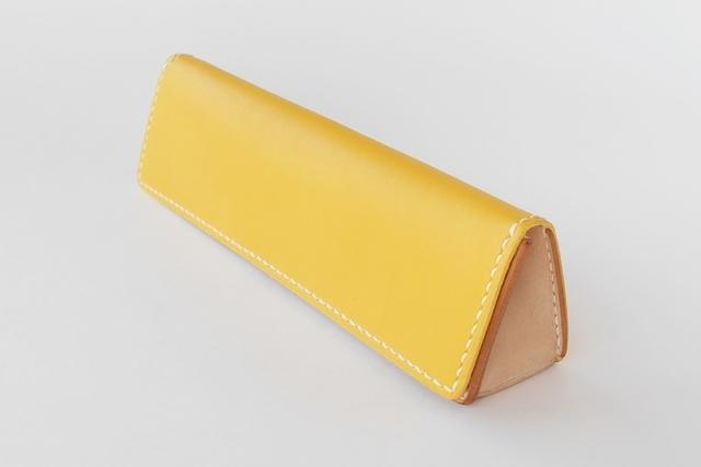 レザー三角ペンケース Yellow × Natural