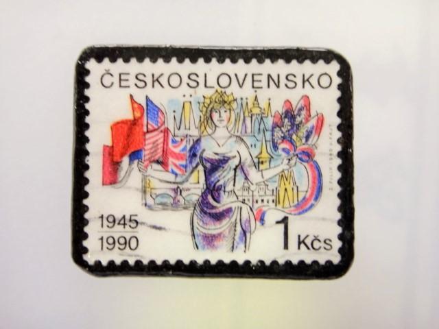 チェコスロバキア  切手ブローチ1490
