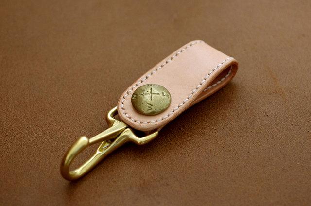 本革サドルレザーの真鍮キーホルダー【...