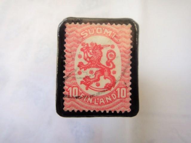 フィンランド  切手ブローチ1496
