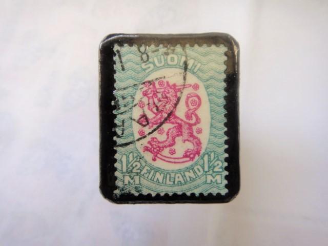 フィンランド  切手ブローチ1500