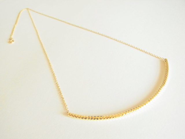 ゴールドパイプのロングネックレス