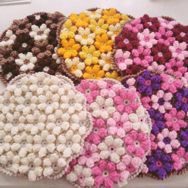 【受注製作】手編みのミニ円座 お花モチーフ